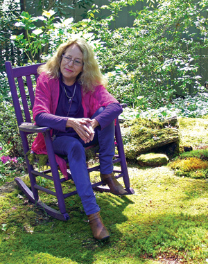 Annie Martin is a self-educated moss entrepreneur driven by her love of bryophytes. Her website is mountainmoss.com.