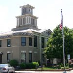 Burnsville_City_Hall,_Former_Yancey_County_Courthouse